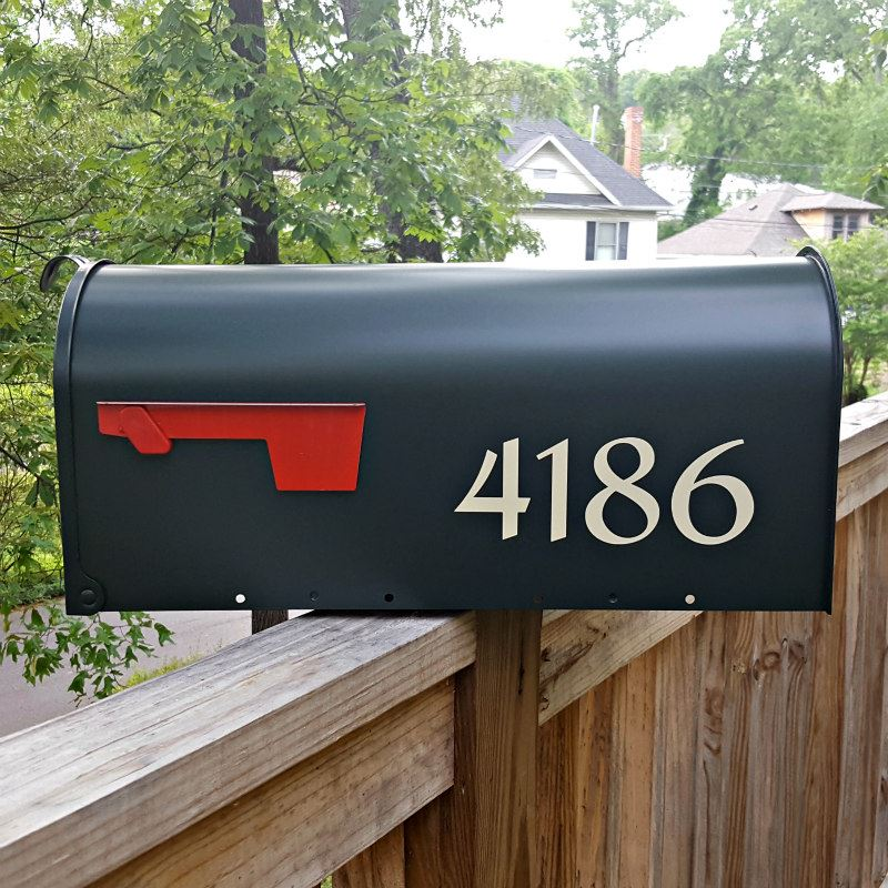 Beige-Traditional-Mailbox-Numbers